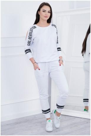Baltas sportinis kostiumas MOD096