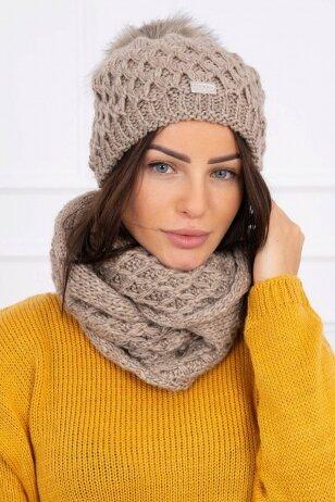 Kapučino spalvos žieminė kepurė ir šalikas K119