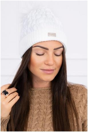 Balta žieminė kepurė K160