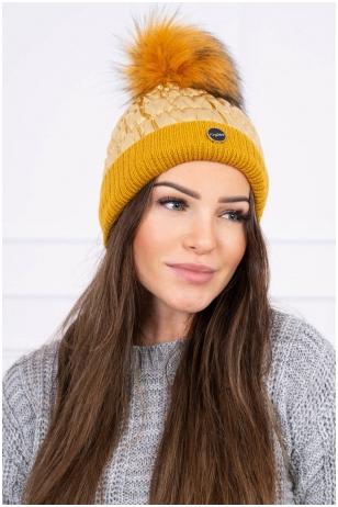 Auksinės spalvos žieminė kepurė K160