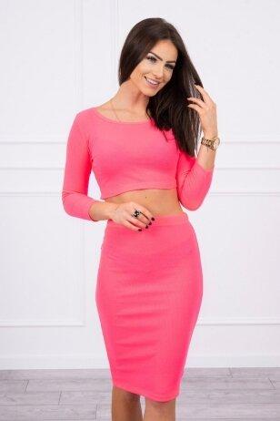 Neoninės rožinės spalvos moteriškas kostiumėlis MOD693