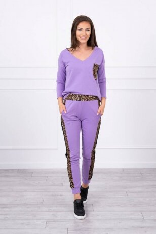 Violetinės spalvos moteriškas kostiumėlis MOD468