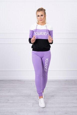 Sportinis kostiumas MOD518 - nebalintos drobės ir violetinės spalvos