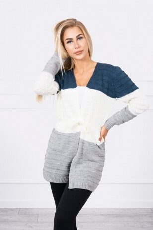 Dryžuotas megztinis MOD741 - džinsinė+nebalinta drobė+pilka