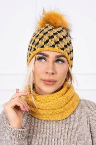 Garstyčių spalvos žieminė kepurė ir šalikas K155