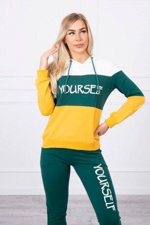 Sportinis kostiumas MOD518 - nebalintos drobės ir žalios spalvos