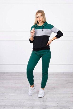 Žalios spalvos sportinis kostiumas MOD216