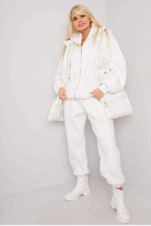 Nebalintos drobės spalvos moteriškas kostiumėlis MOD1442