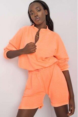 Oranžinės spalvos moteriškas kostiumėlis MOD1086