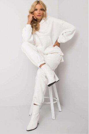 Baltas sportinis kostiumas MOD1161