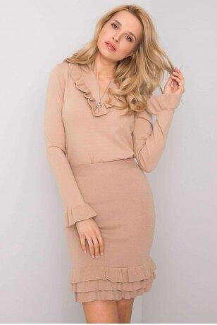 Smėlinės spalvos moteriškas kostiumėlis MOD944
