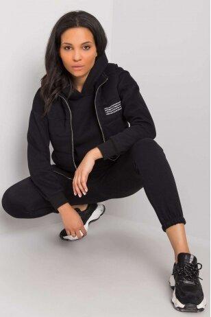 Juodas moteriškas kostiumėlis MOD940