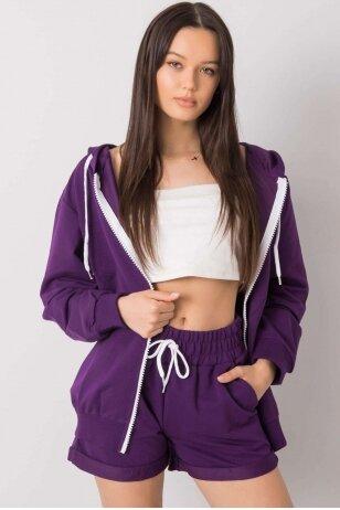 Tamsiai violetinės spalvos moteriškas kostiumėlis MOD1014