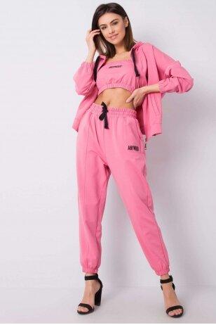 Rožinės spalvos sportinis kostiumas MOD945