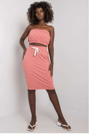 Tamsiai rožinės spalvos moteriškas kostiumėlis MOD1138