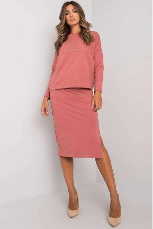 Tamsiai rožinės spalvos moteriškas kostiumėlis MOD1135