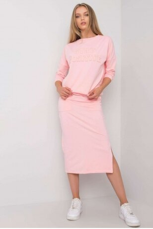 Šviesiai rožinis moteriškas kostiumėlis MOD1135
