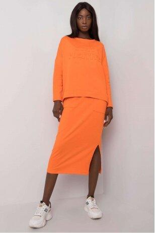 Oranžinės spalvos moteriškas kostiumėlis MOD1135