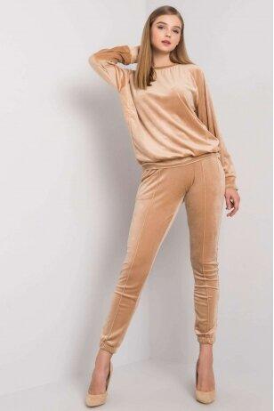 Smėlinės spalvos veliūrinis kostiumėlis MOD1446