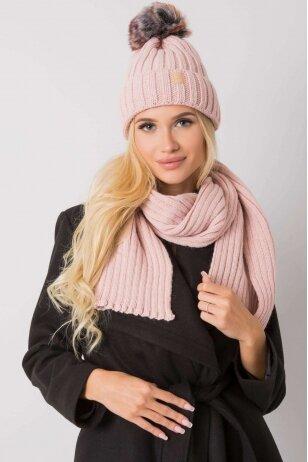 Šviesiai rožinė kepurė ir šalikas MOD1492