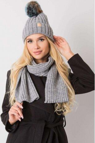 Pilka kepurė ir šalikas MOD1492