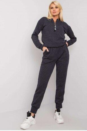 Juodas megztas moteriškas kostiumėlis MOD1440