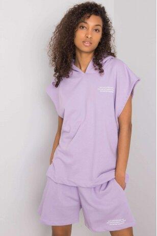 Šviesiai violetinės spalvos moteriškas kostiumėlis MOD1026