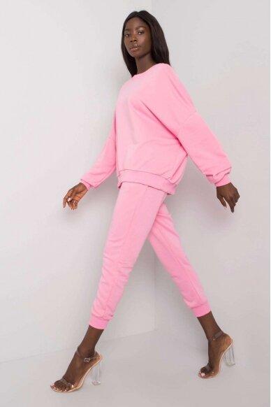 Šviesiai rožinės spalvos sportinis kostiumas MOD1137 2