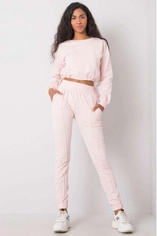 Šviesiai rožinės spalvos sportinis kostiumas MOD932